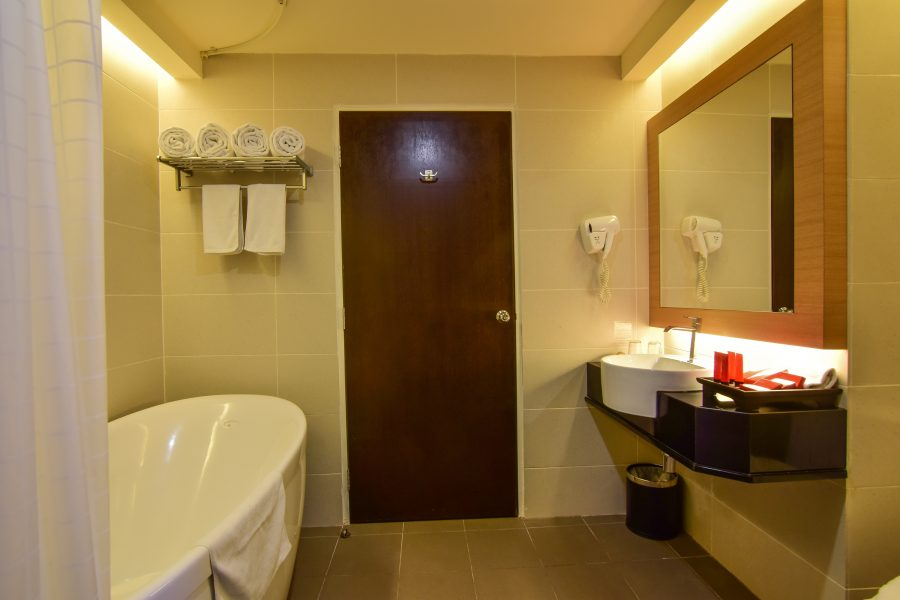 Hotel Sentral Seaview Penang Bathroom